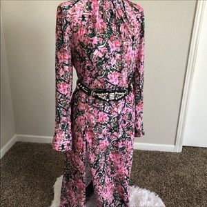 H&M dress size US 10, will send the belt as well.
